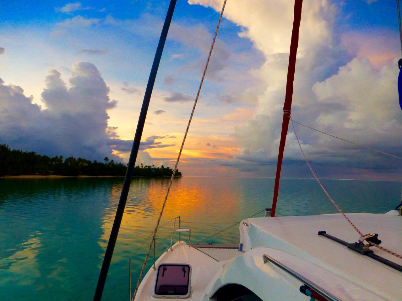 5 Baie d:Avea, Huahine Sunrise